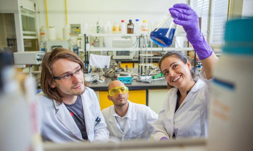 Frakcioniranje in oplemenitenje sirotkinih proteinov ter izraba preostanka za oblikovanje novih funkcionalnih živil in prehranskih dopolnil
